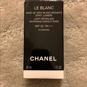 Chanel le blanc primer